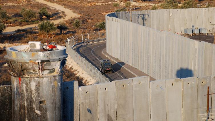 لم يرد في الإعلام الإسرائيلي أن اعتقال منتصر شلبي كان بسبب مكالمة مع حماس