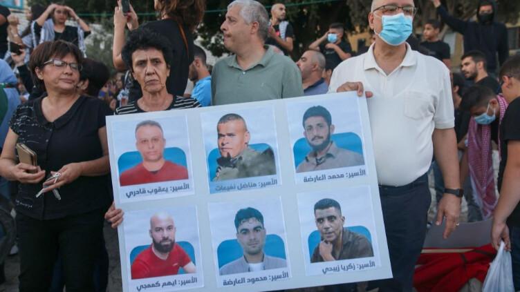 حسين الشيخ لم يصرّح بأنّ السلطة الفلسطينية رفضت حماية الأسيرين كمنجي ونفيعات